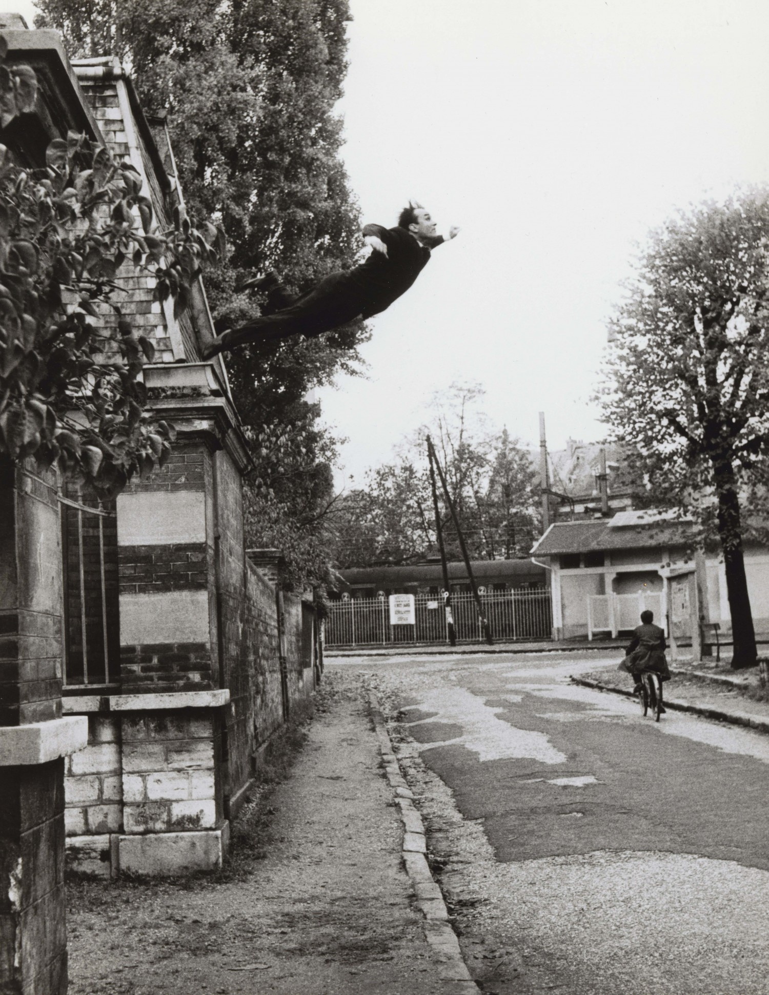 Selfie Art Yves Klein Leap Into The Void