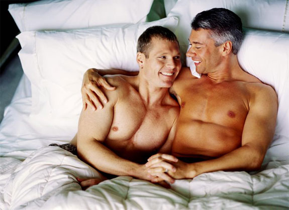 gay-men-in-bed.jpeg