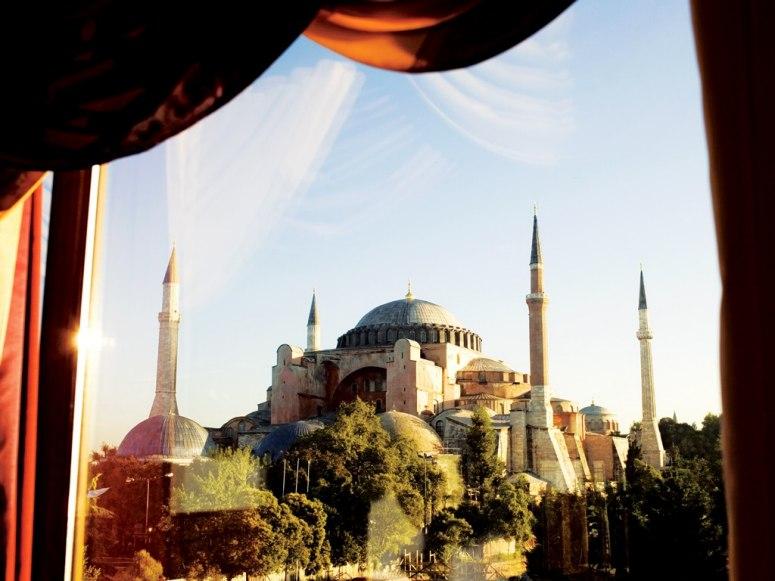 item62.rendition.slideshowWideHorizontal.seven-hills-hotel-sultanahmet-istanbul-rwav-1107