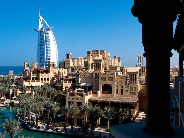 item74.rendition.slideshowWideHorizontal.al-qasr-madinat-jumeirah-dubai-united-arab-emirates-rwav-1106