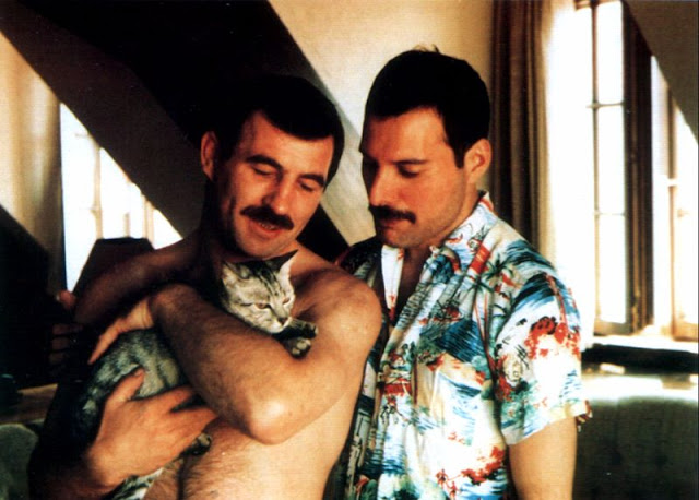 wsi-imageoptim-Freddie-Mercury-Jim-Hutton-1.jpg