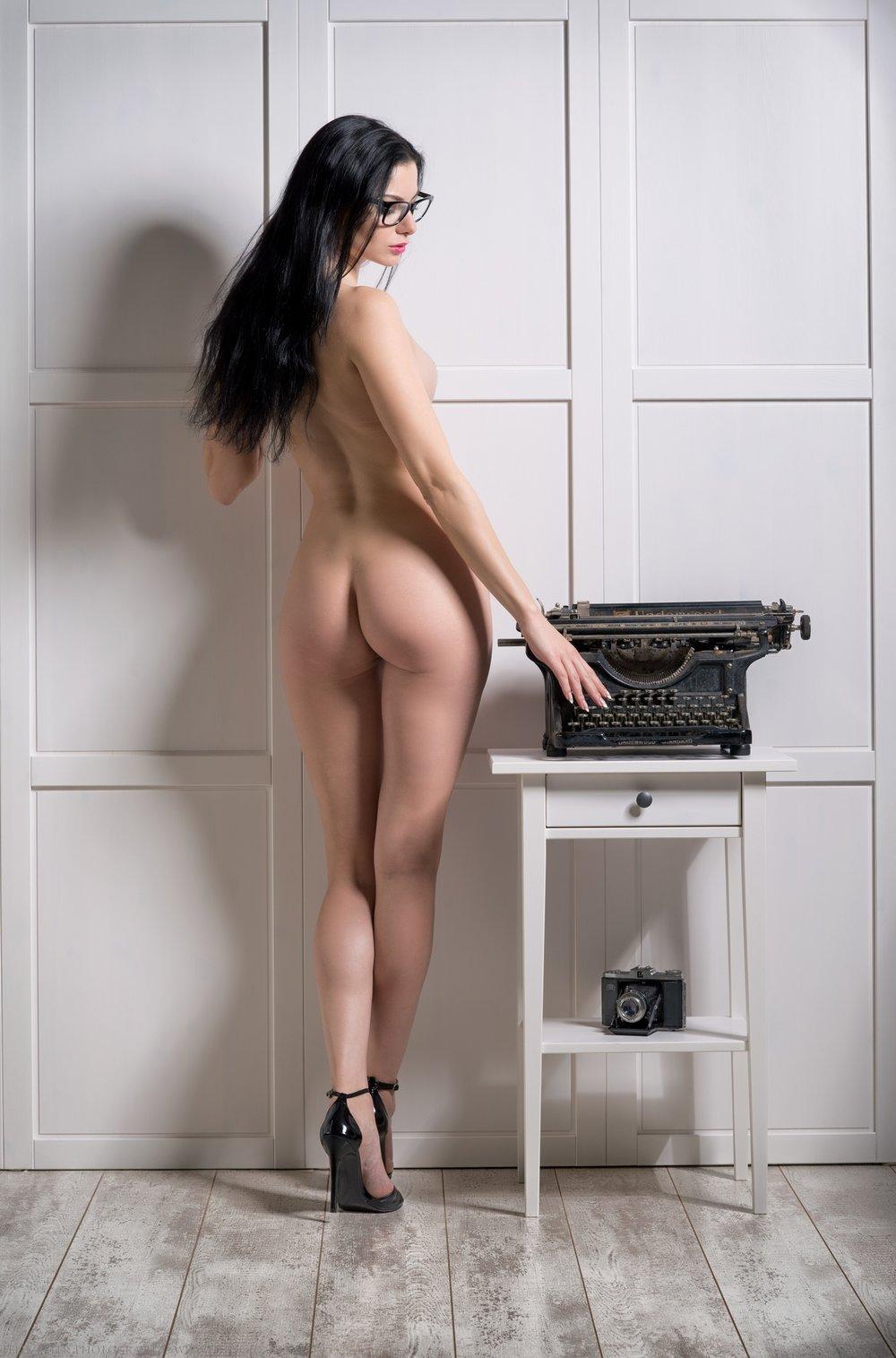 Felix-Peter-NudeArt-Photography_Bern_024.jpg