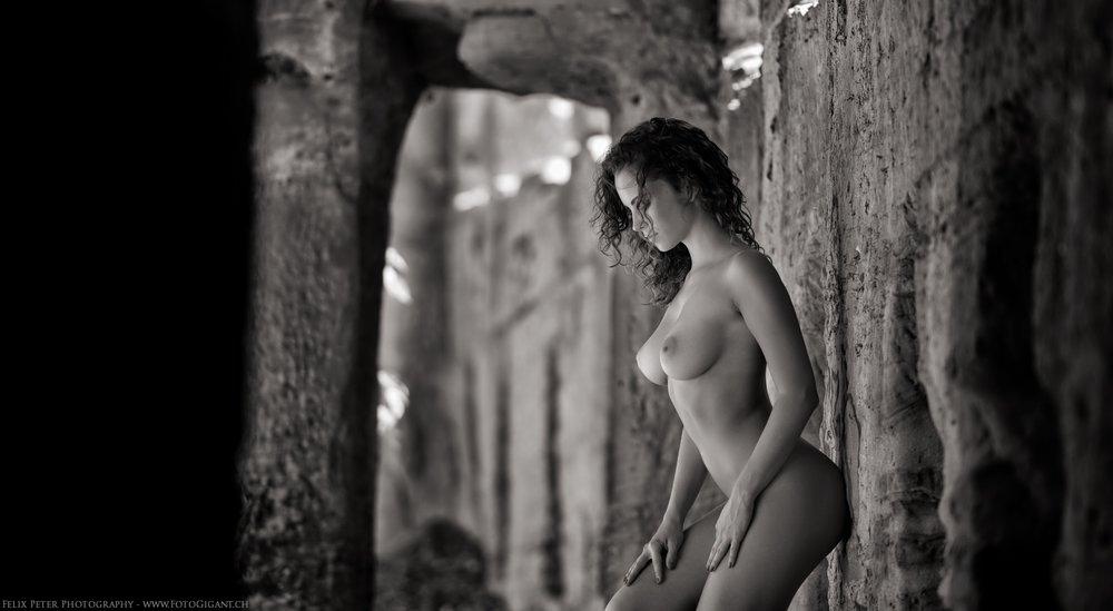 Felix-Peter-NudeArt-Photography_Bern_039.jpg