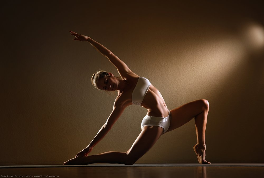 Felix-Peter-Yoga-Pilates-Dance-Fotografie_Bern_038.jpg