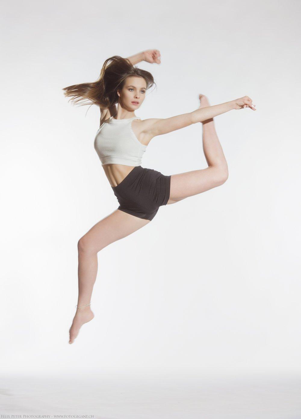 Felix-Peter-Yoga-Pilates-Dance-Fotografie_Bern_119.jpg