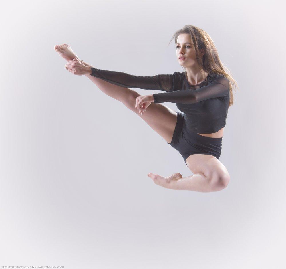 Felix-Peter-Yoga-Pilates-Dance-Fotografie_Bern_118.jpg