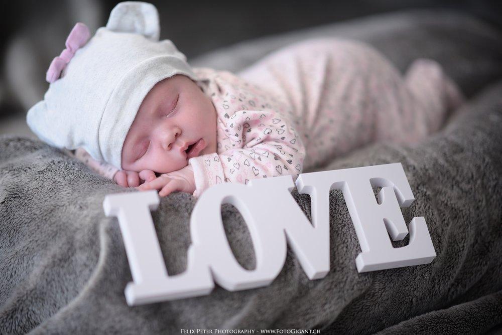 Felix-Peter_Baby-Newborn-Fotografie_Bern02.jpg