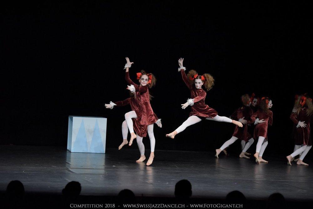 Showdance_2018_0196s.jpg