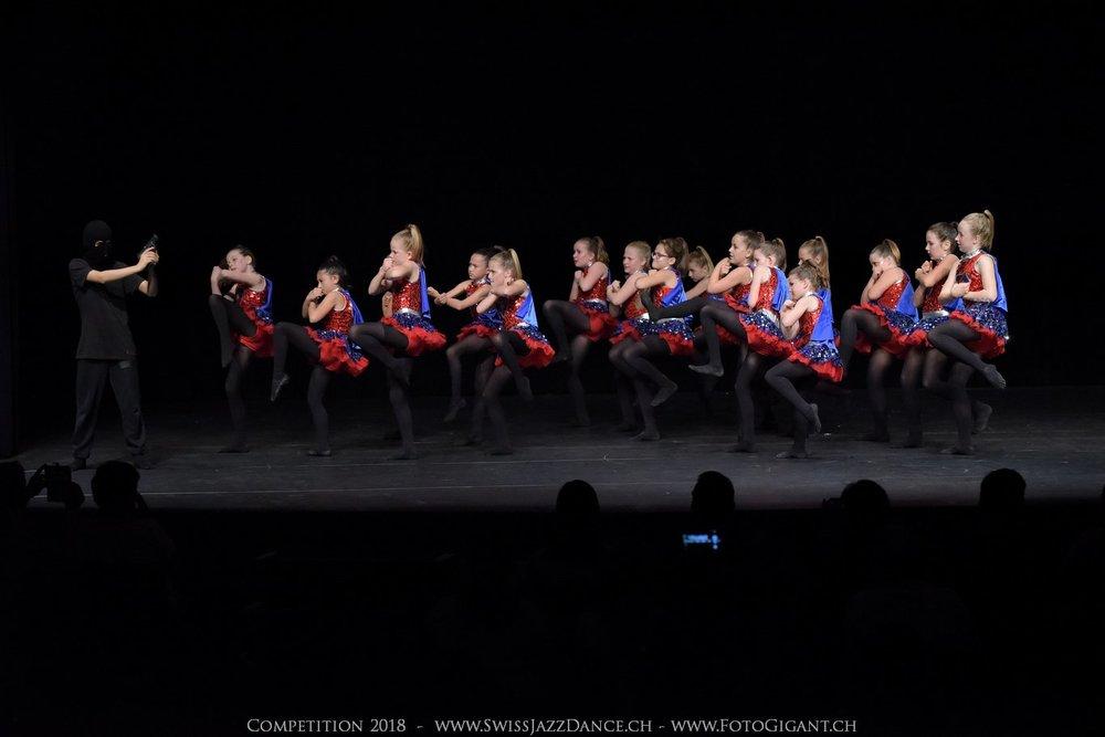 Showdance_2018_0415s.jpg
