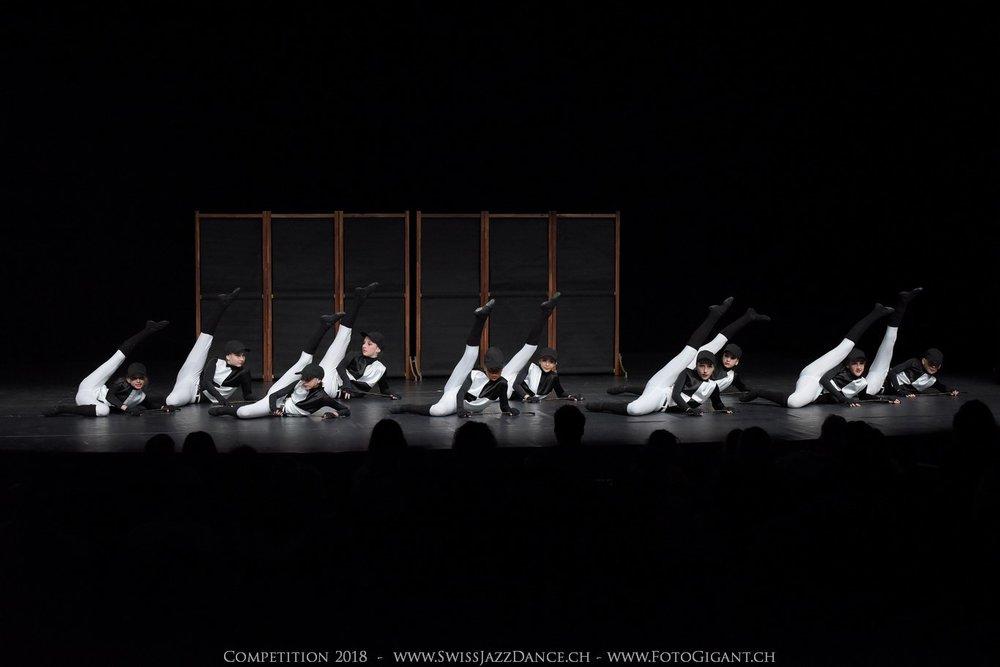 Showdance_2018_1139s.jpg
