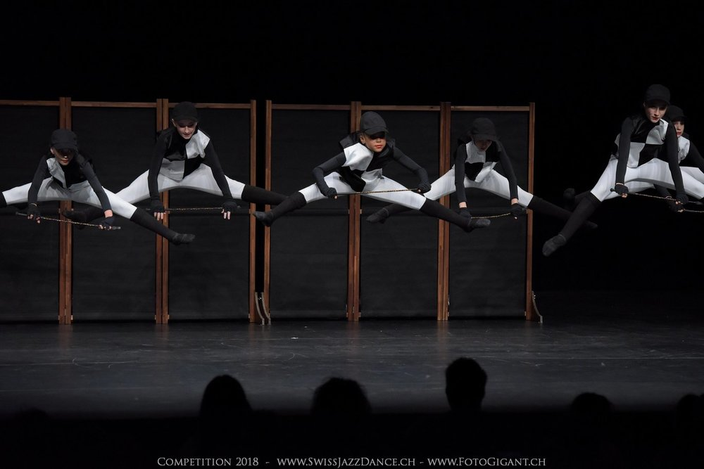 Showdance_2018_1145s.jpg