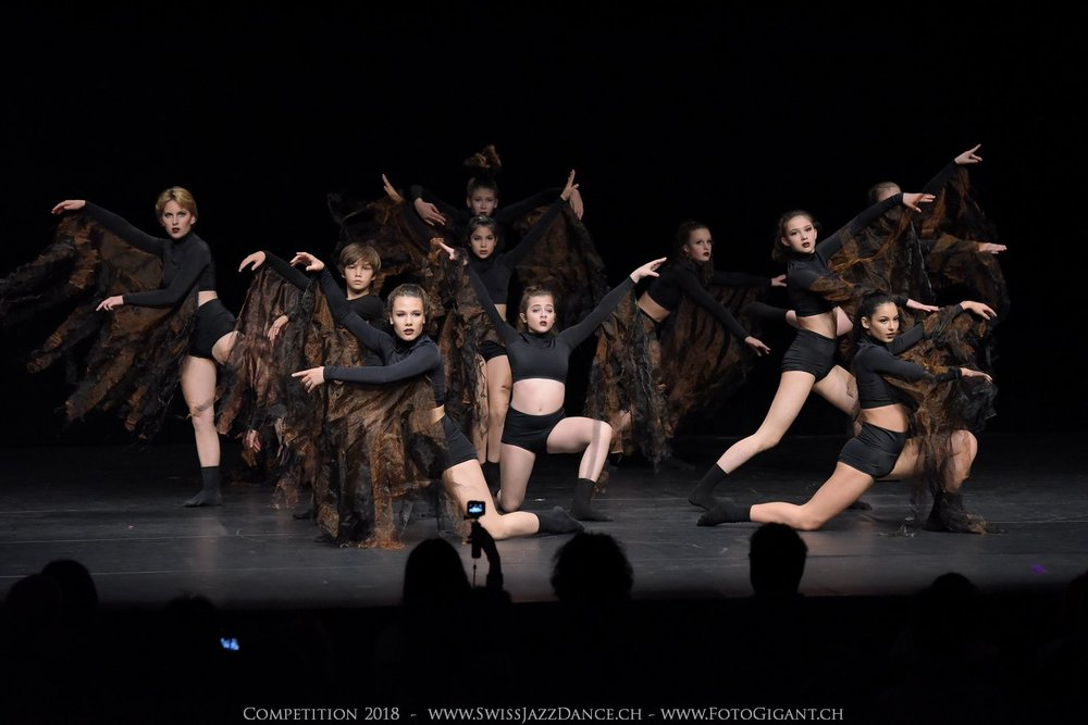 Showdance_2018_1697s.jpg