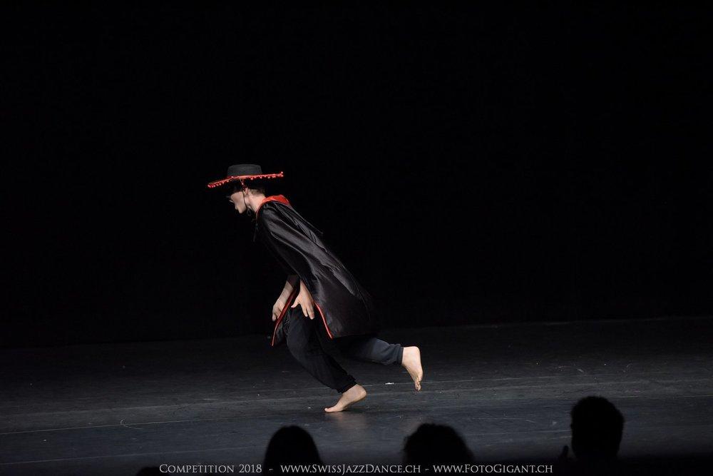 Showdance_2018_2242s.jpg