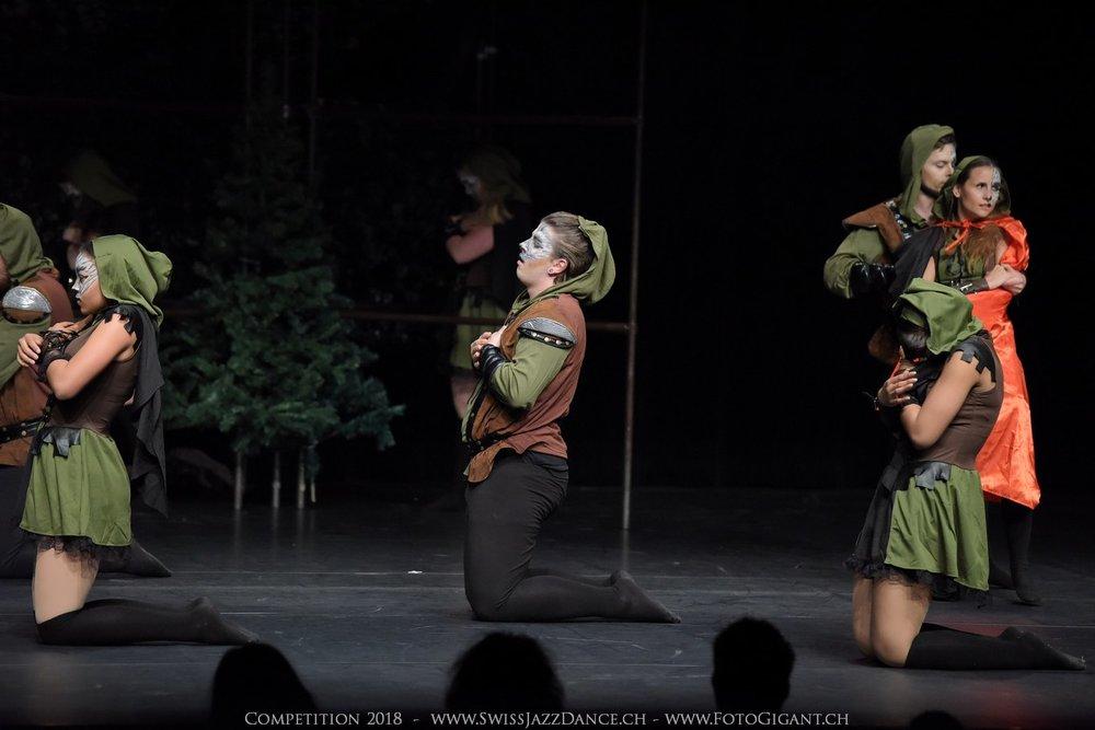 Showdance_2018_2368s.jpg
