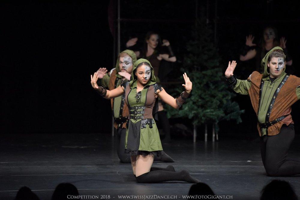 Showdance_2018_2370s.jpg