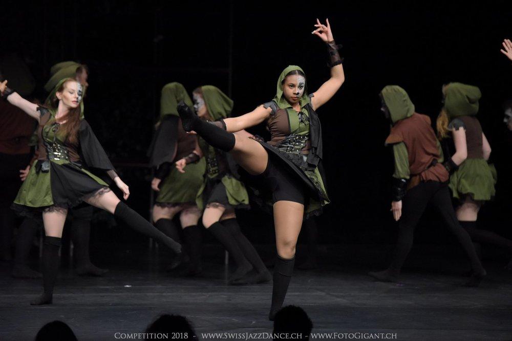 Showdance_2018_2410s.jpg