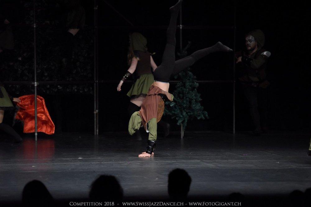 Showdance_2018_2415s.jpg