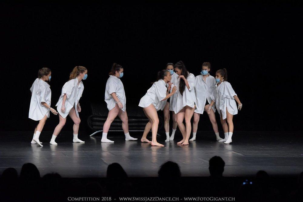 Showdance_2018_2569s.jpg