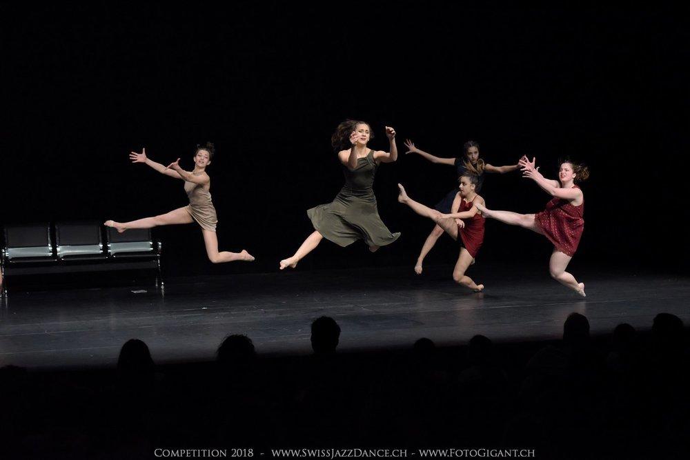 Showdance_2018_2766s.jpg