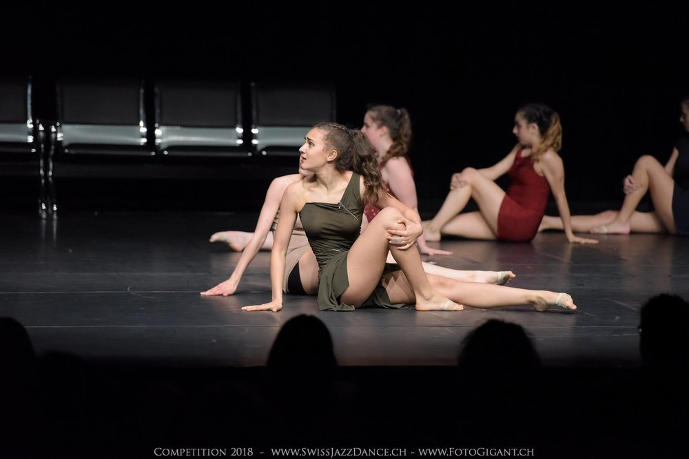 Showdance_2018_2796s.jpg