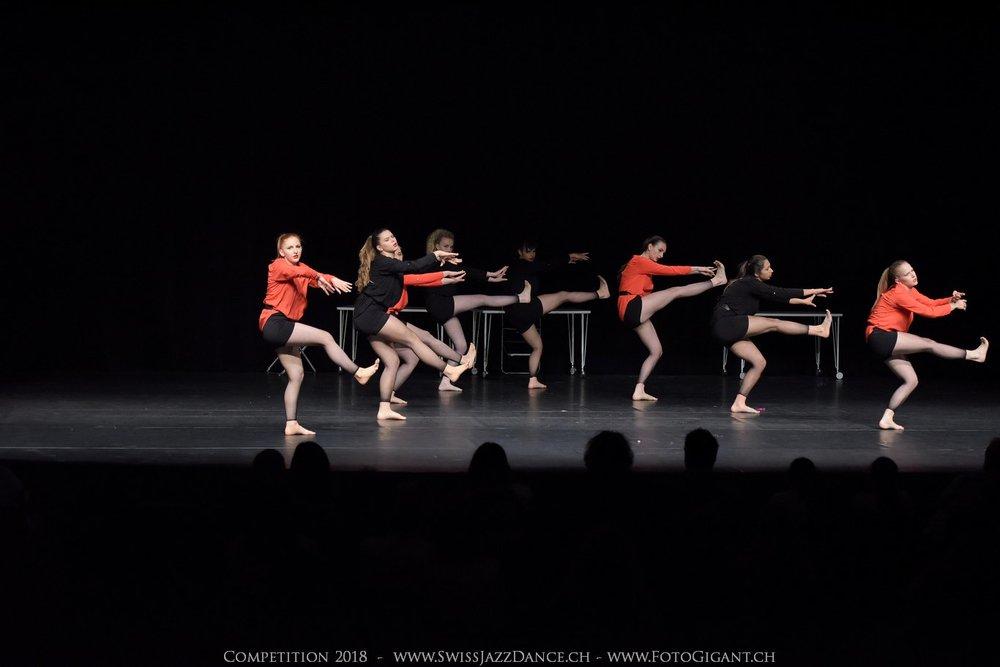Showdance_2018_2863s.jpg