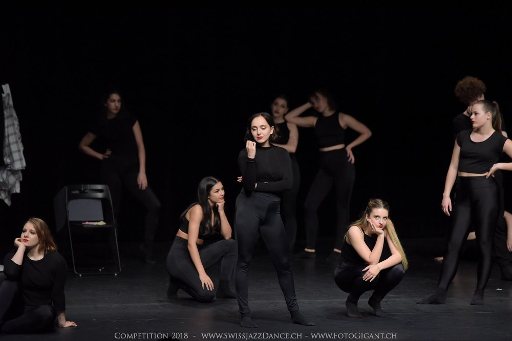 Showdance_2018_2934s.jpg