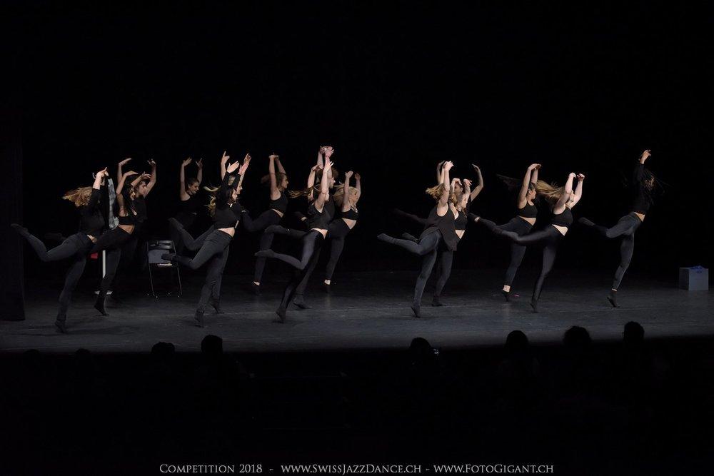 Showdance_2018_2944s.jpg