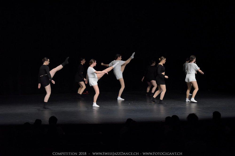 Showdance_2018_3385s.jpg