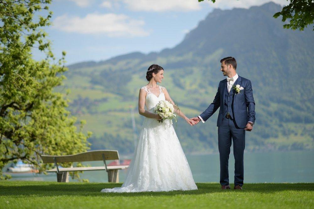 Ein wunderbarer Tag in Spiez und im Gasthof Schönbühl. Ich kannte das Brautpaar schon von früheren Shootings her und wusste, das wird einfach nur TOP mit den beiden und ihrem herzigen Sohn :-)
