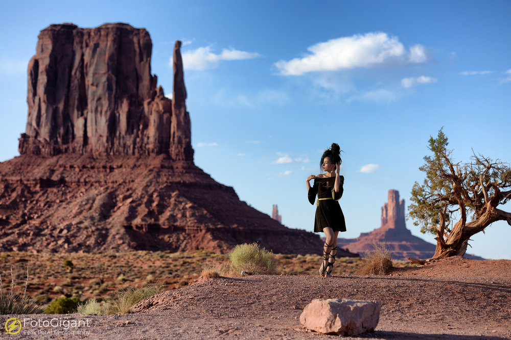 Model Photography Monument Valley.jpg