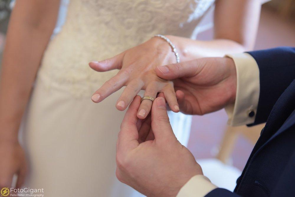 Hochzeitsfotograf_Bern_Thun_17.jpg