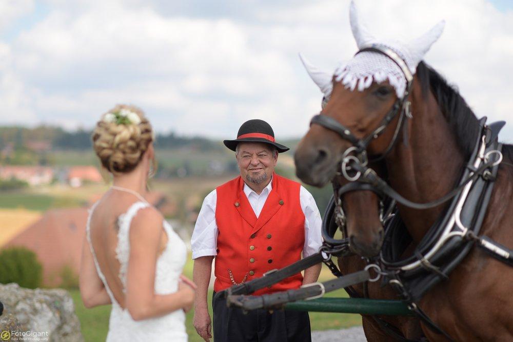 Hochzeitsfotograf_Laupen_Bern_29.jpg