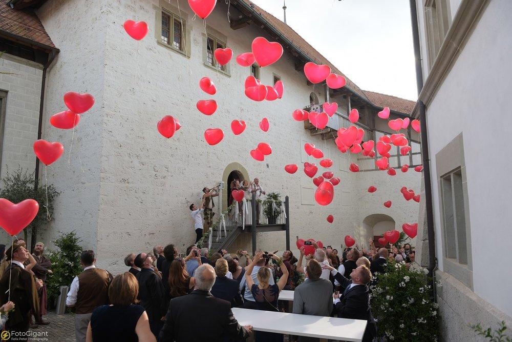 Hochzeitsfotograf_Laupen_Bern_41.jpg
