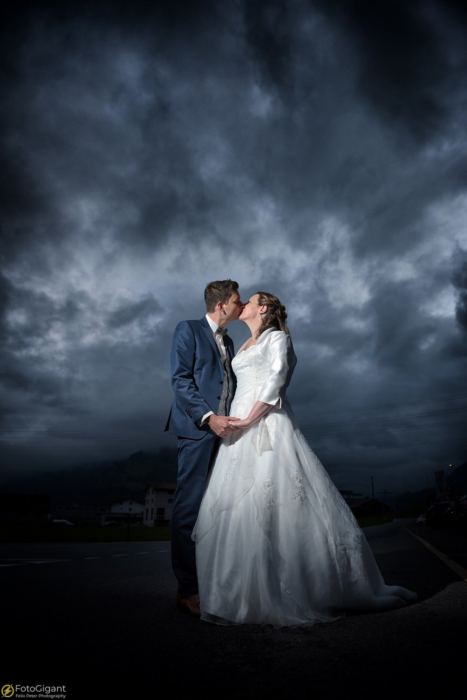 Hochzeitsfotograf_Frutigen_Bern_23.jpg