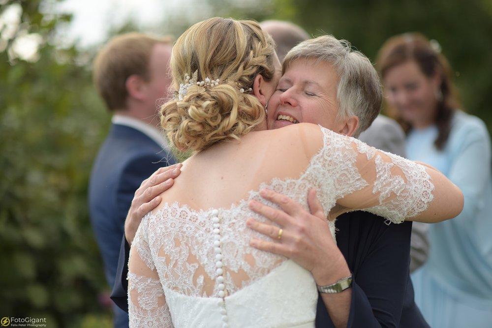 Hochzeitsfotograf_Felix-Peter_Bern_48.jpg