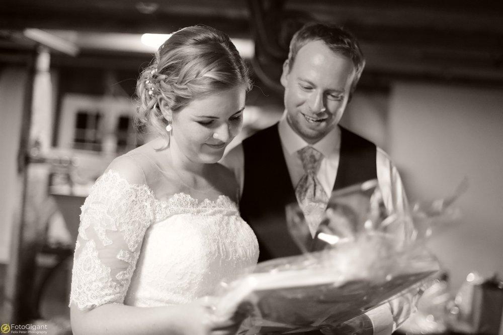Hochzeitsfotograf_Felix-Peter_Bern_81.jpg