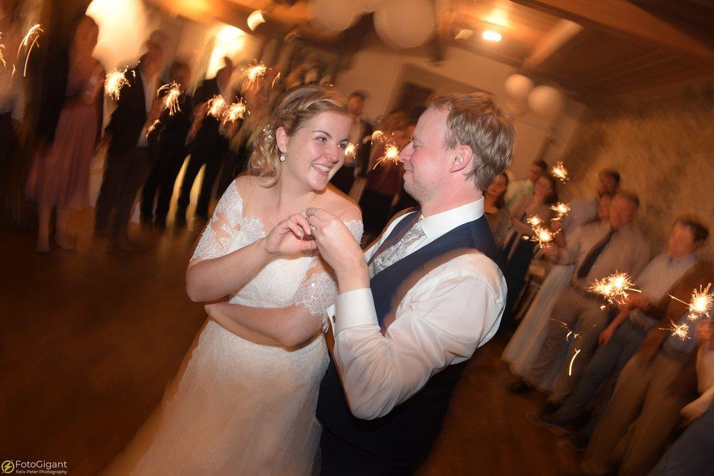 Hochzeitsfotograf_Felix-Peter_Bern_90.jpg