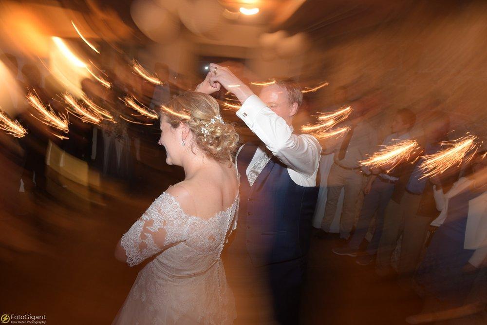 Hochzeitsfotograf_Felix-Peter_Bern_91.jpg