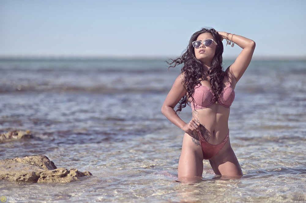 Sexy-Lingerie_at_the_Beach_01.jpg