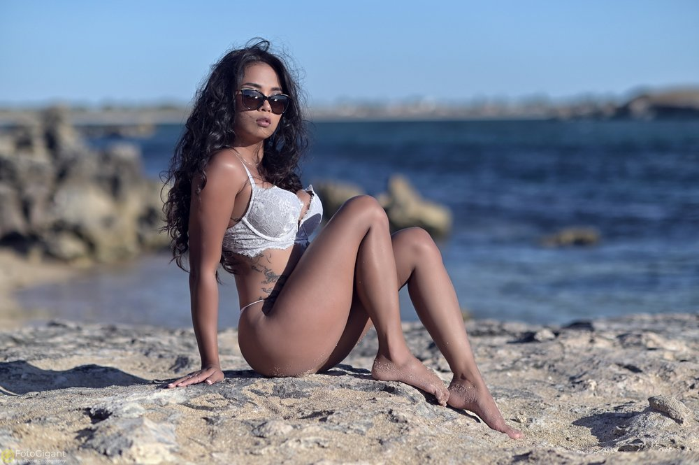 Sexy-Lingerie_at_the_Beach_13.jpg