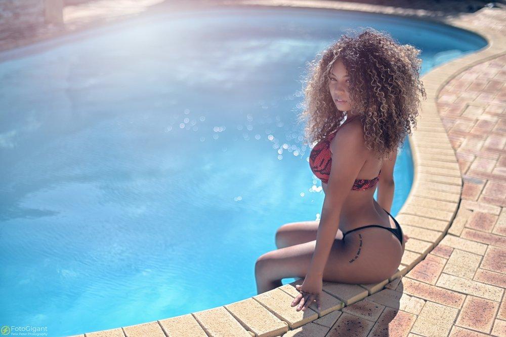 Tea-Frazer_Bikini-Fotoshooting_10.jpg