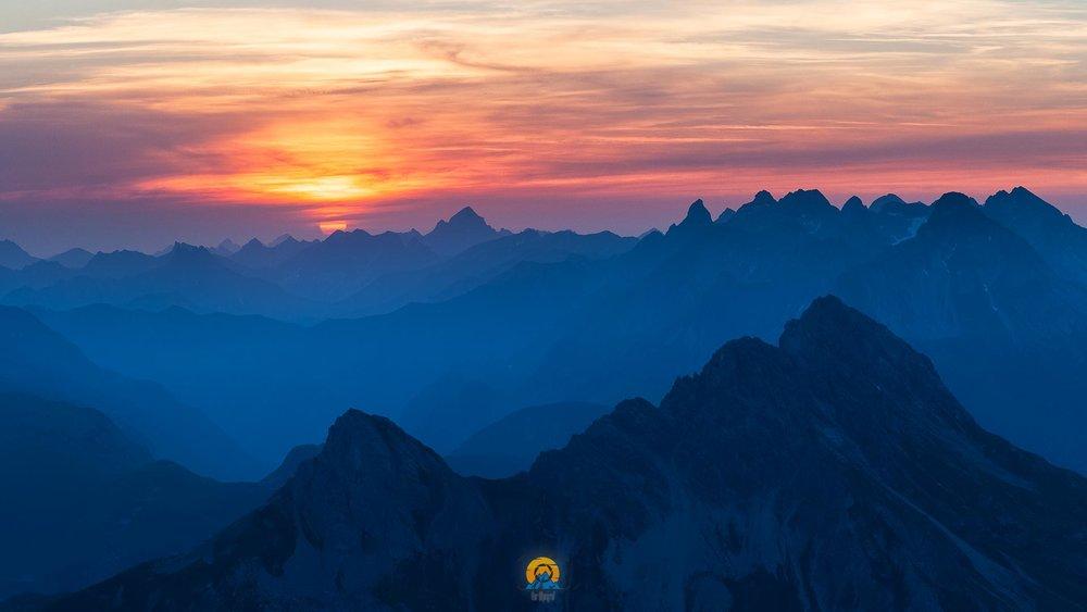 Mohnenfluh Sonnenaufgang.jpg