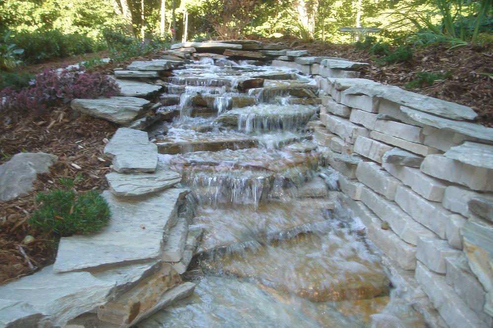 Water features in Bloomfield Village, MI, Metro Detroit