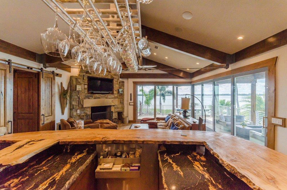 Kitchen Bar, 1.jpeg