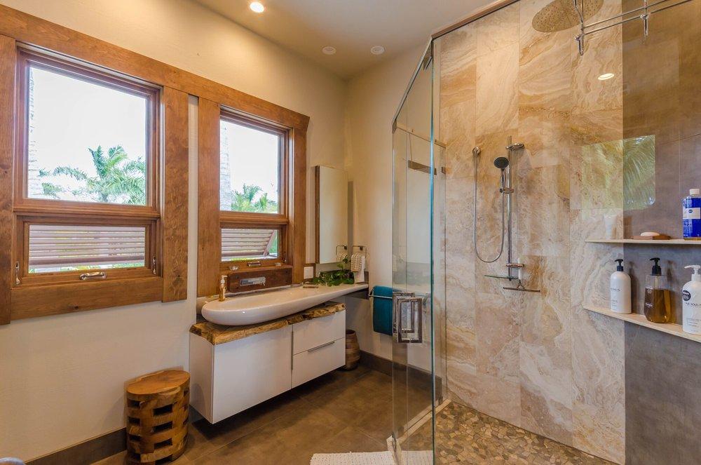 Guest Suite 1 Bath, 1.jpeg