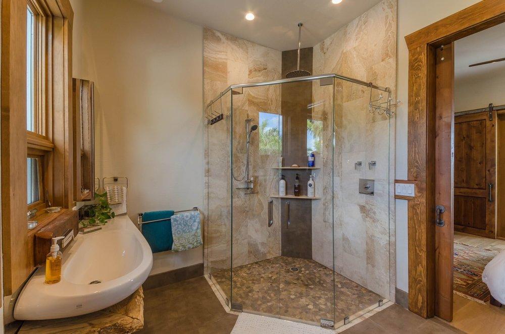 Guest Suite 1 Bath, 3.jpeg