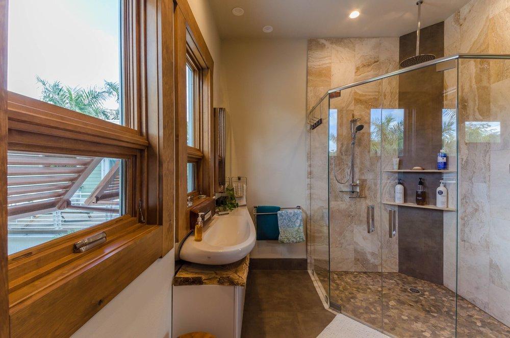 Guest Suite 1 Bath, 4.jpeg