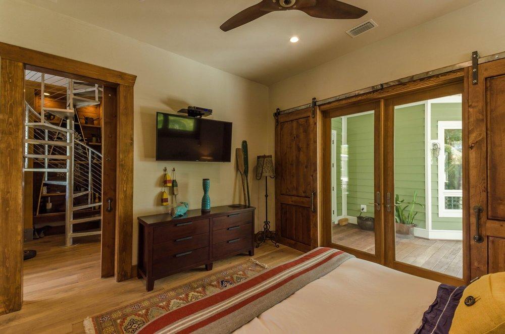 Guest Suite 1 Bed, 2.jpeg