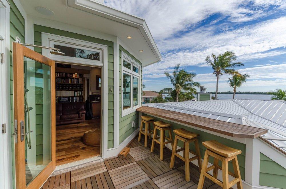 guest deck, 2.jpeg