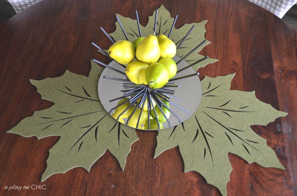 Breakfast-Nook-Leaf-Centerpiece-wmv2.jpg